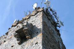 Wieża widokowa na szczycie Chełmca; obecnie we władaniu krótkofalowców